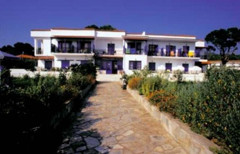 Zeus hotel skiathos reserve now at the best price for Best hotels in skiathos