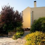 Abelos Villa - Garden View